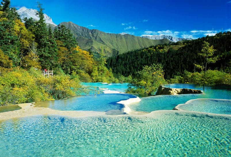 The Five-color Ponds of Huanglong National Park