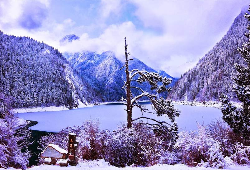 The Winter Sceneries of Jiuzhai Valley