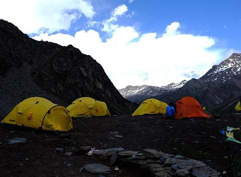 Erfeng Base Camp