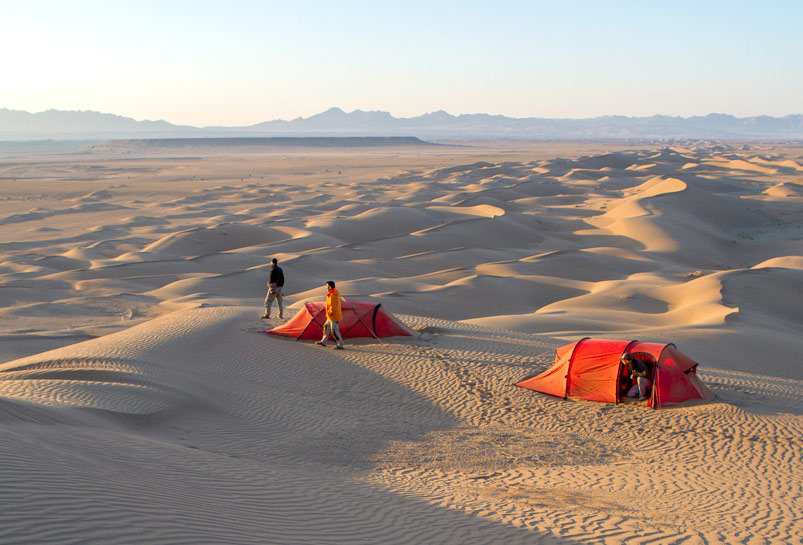 Camp in Taklamakan Desert and Enjoy the Sunrise