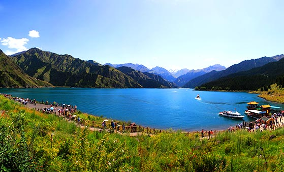 4 Days Urumqi Tianchi Lake Leisure Tour