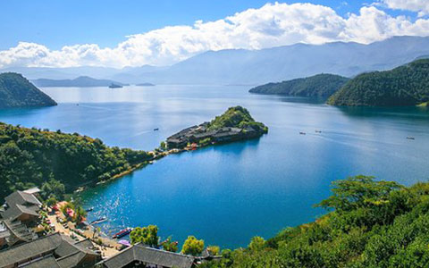 Lugu Lake Travel Guide